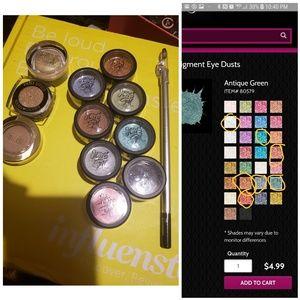 Eyeshadow pigment bundle